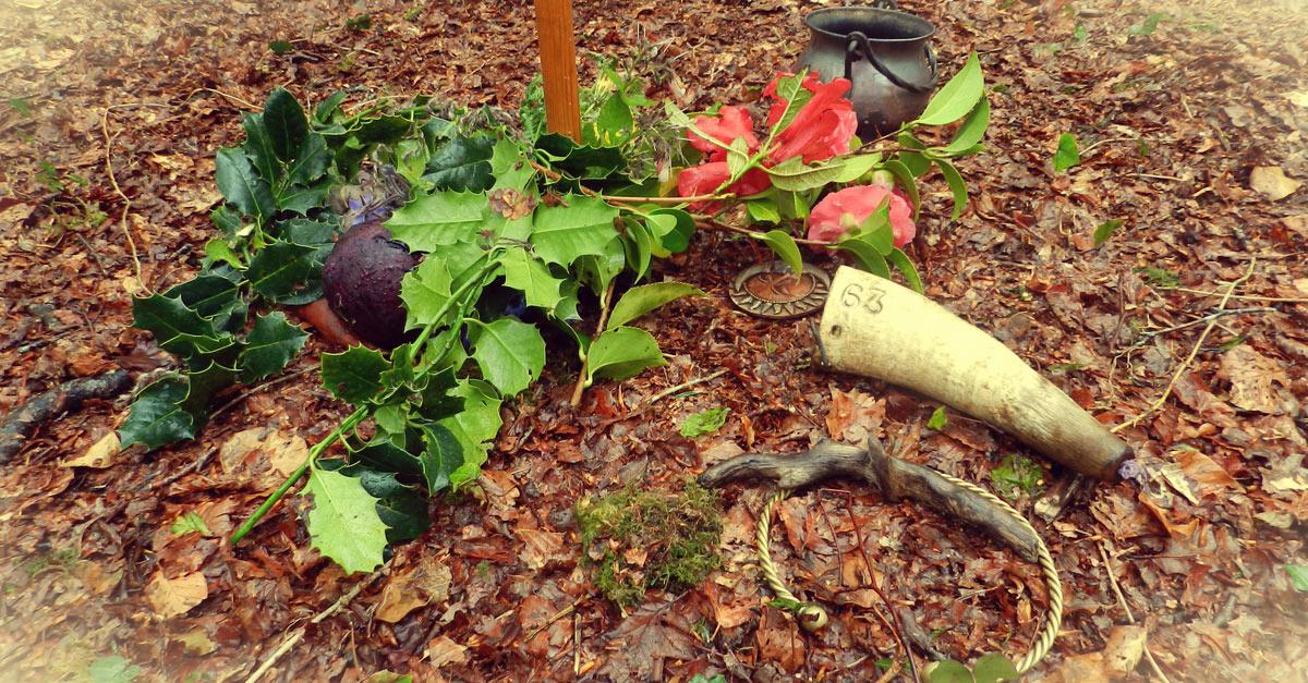 être druidisant en faisant des célébrations druidiques comme celle que l'on voit ici : plante en offrandes au cour d'une cérémonie