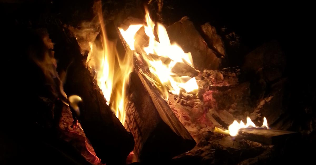 Entrer dans notre Ordre Druidique pour participer à des cérémonies autour d'un feu...