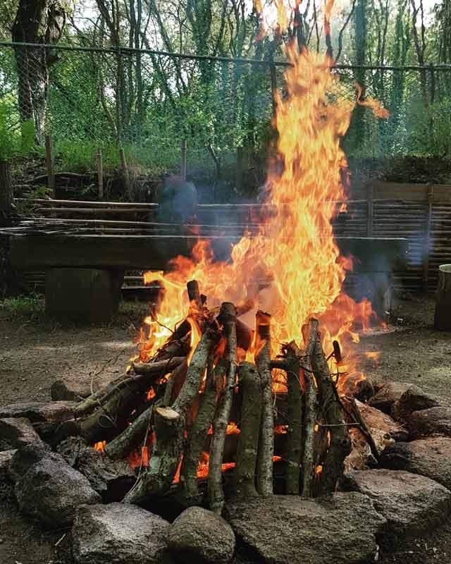 feu de la fête de Rosmerta
